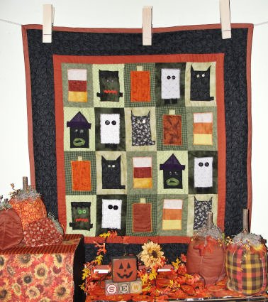 12 Halloween Wall Hanging Quilt Patterns Hidden Treasure Crafts