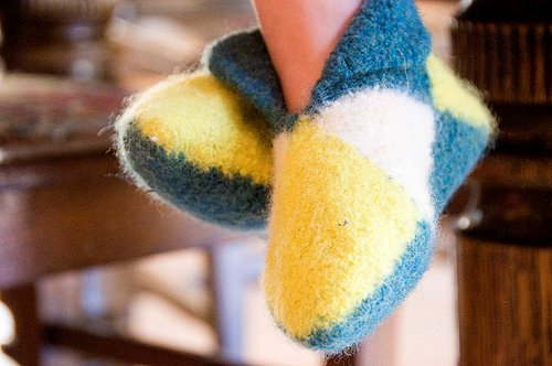 DIY Easy Norwegian House Slippers