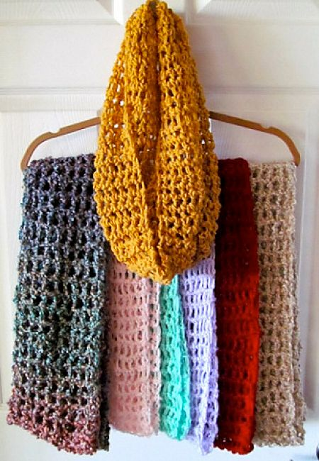 Crocheting Infinity Scarf : 20 DIY Infinity Scarf and Cowl Crochet Patterns Hidden Treasure ...