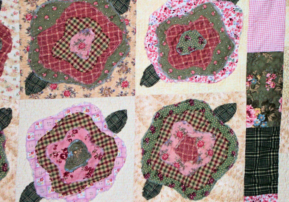 French Roses Quilt close-up